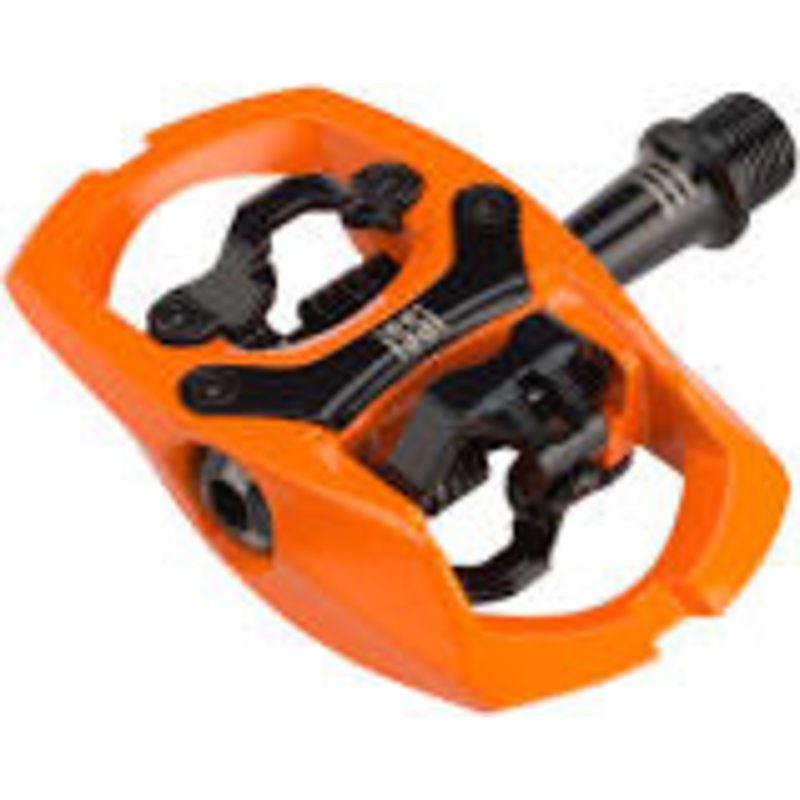 """iSSi iSSi Trail III Pedals - Dual Sided Clipless with Platform, Aluminum, 9/16"""", Hi-Vis Orange"""