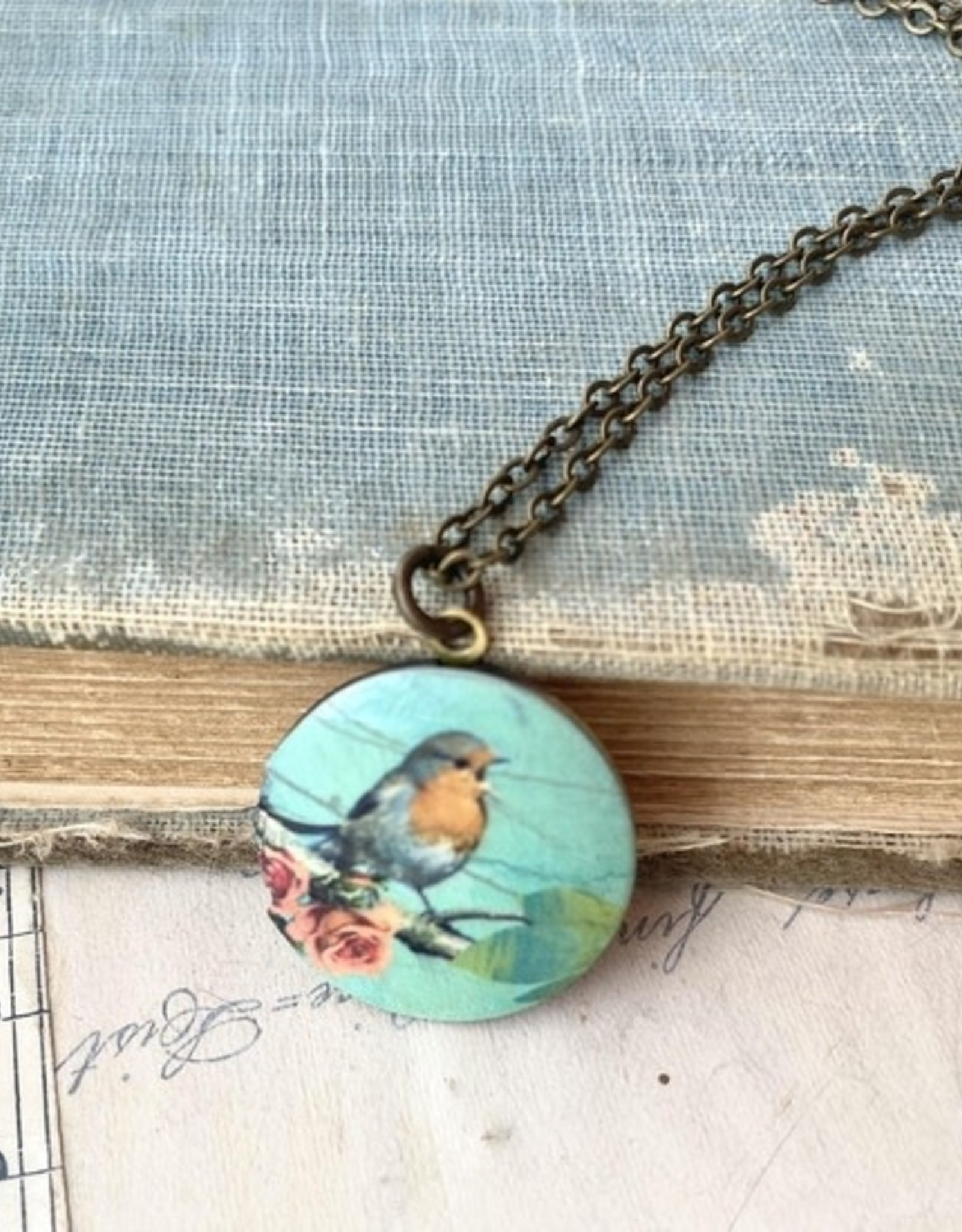 NECKLACE-LOCKET-LITTLE BLUE BIRD, PETITE