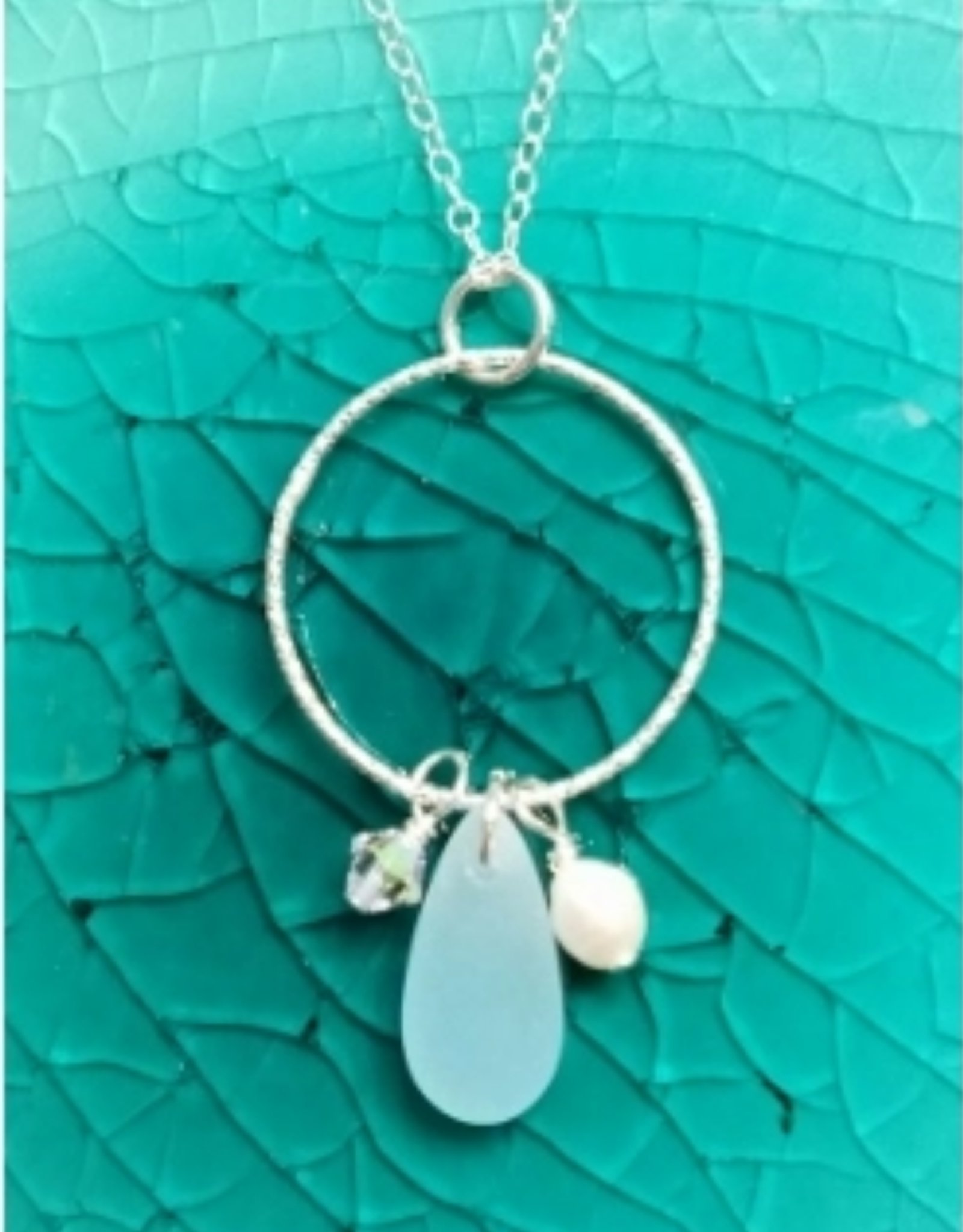 Faire/Sosie Designs NECKLACE-BEACHCOMBER CIRCLE W BLUE