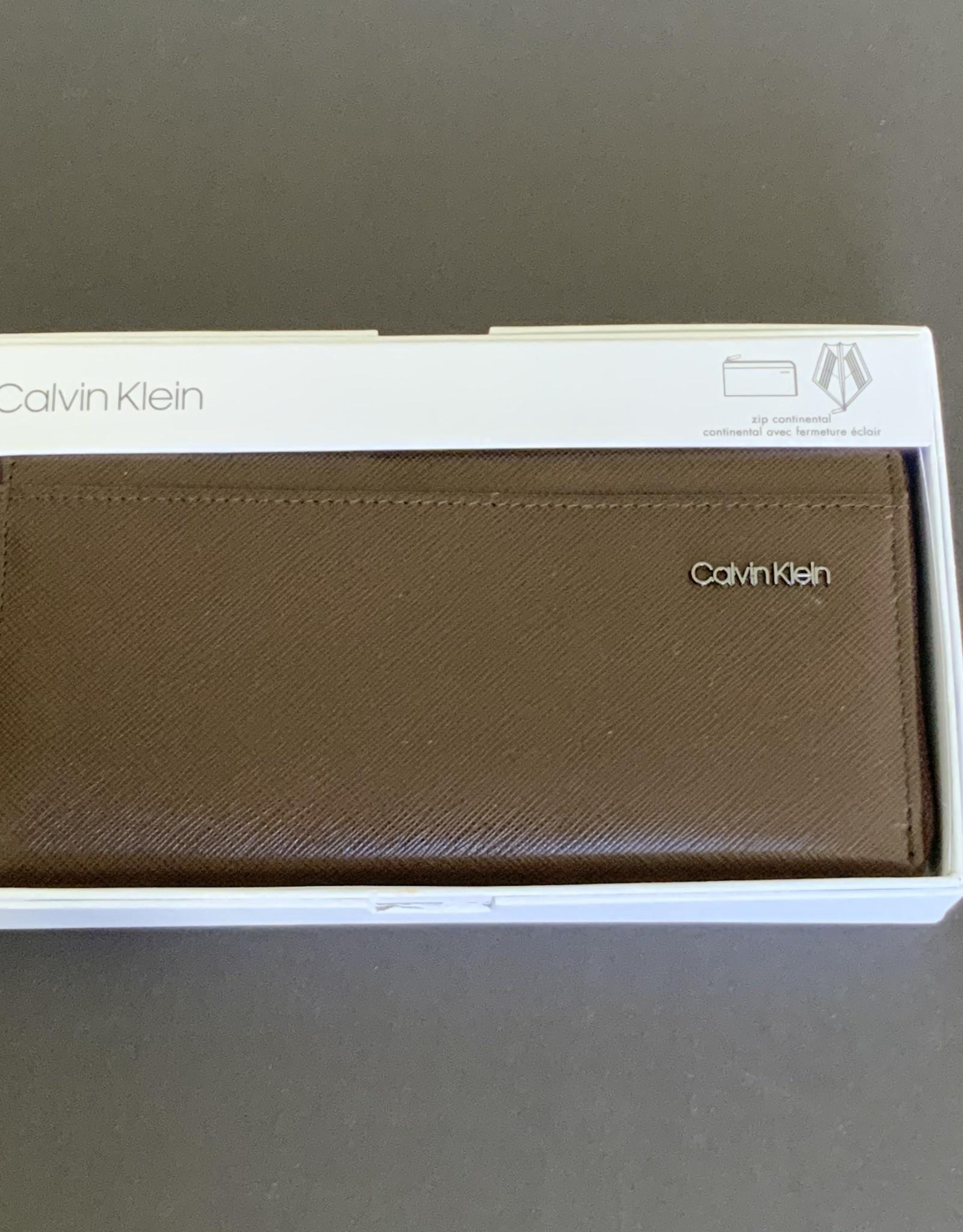 Calvin Klein Calvin Klein Saffiano Zip Continental Wallet