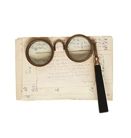 """Creative Co-op 6 1/4"""" L x 7"""" H Brass & Resin Spectacle Magnifying Glass"""