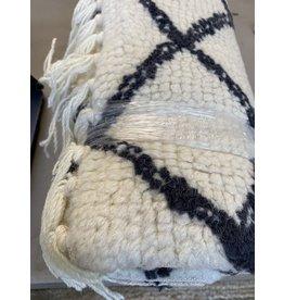 Bloomingville 2 x 6 Wool Runner w/black diamond pattern