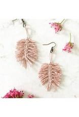 The Florist & The Merchant Linen Macrame Feather Earrings Kit