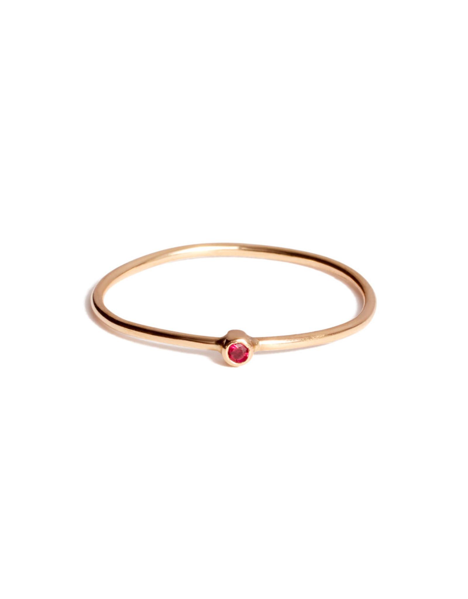Jennifer Meyer Jennifer Meyer - Ruby Thin Ring - Yellow Gold / Ruby (Size: 6.5)