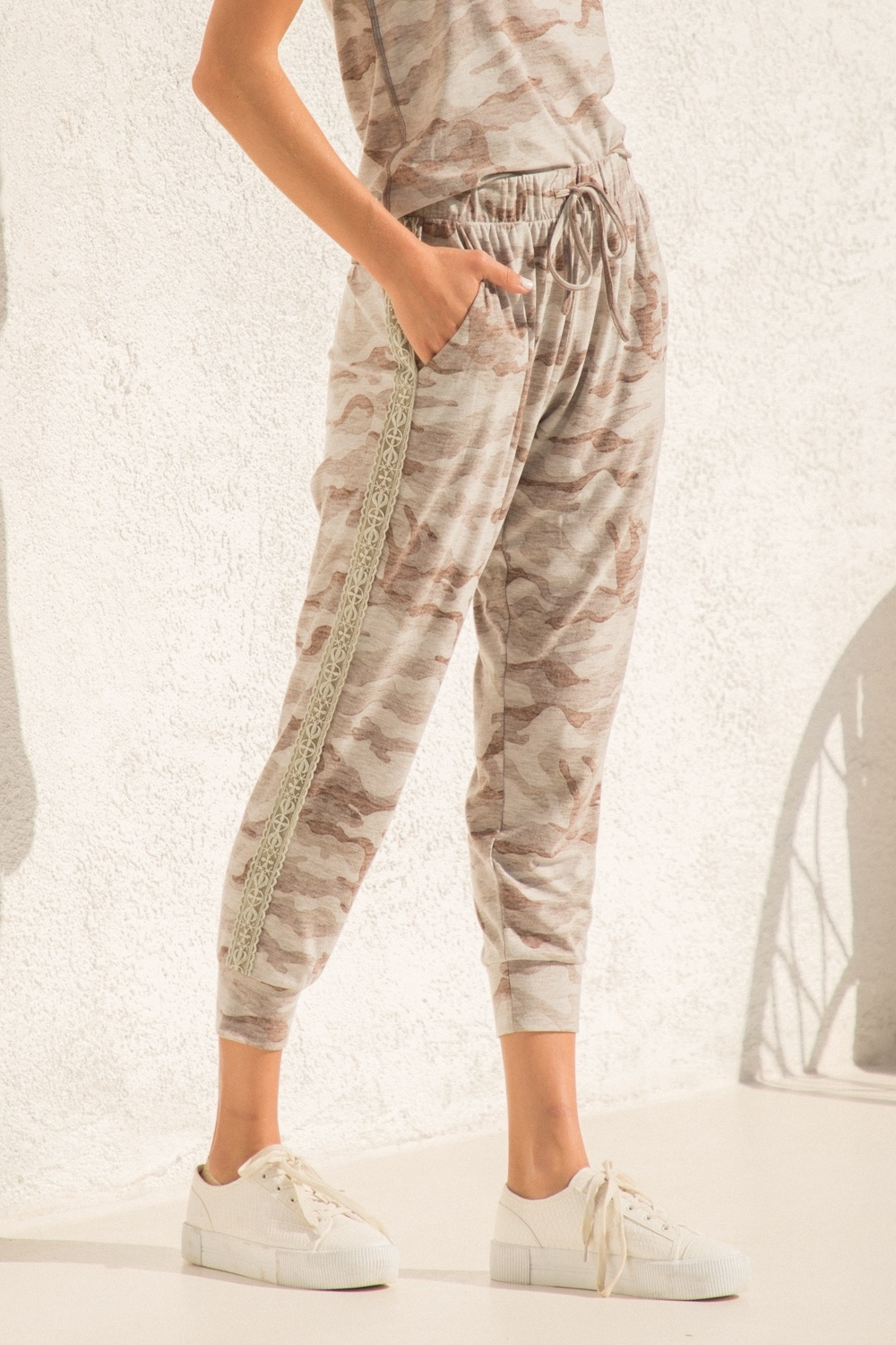 Hem & Thread Camo Side Trim Pants