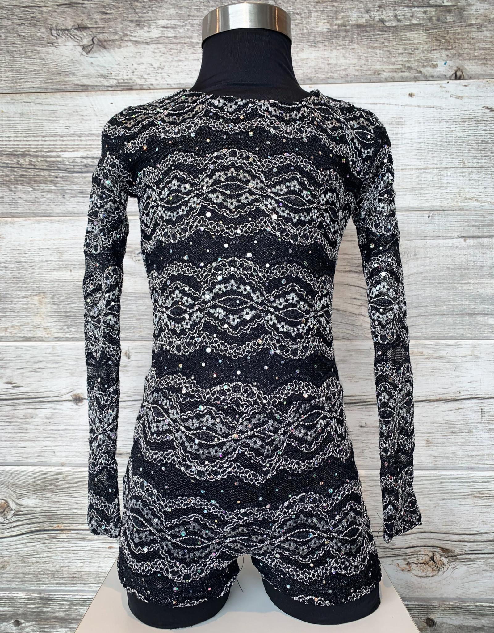 Costume Noir et Blanc Avec Boucle  (MC 10-12)