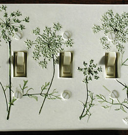 Switch Triple & 6 Screws Queen  Anne's Lace