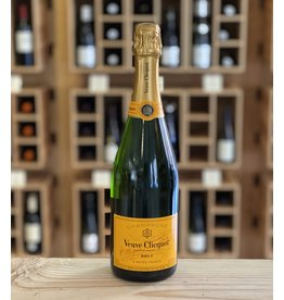 "Brut Veuve Clicquot ""Yellow Label"" Brut NV - Champagne, France"