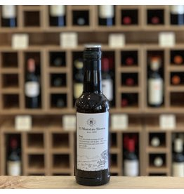 Spain El Maestro Sierra Fino Sherry 375ml - Andalucía, Spain