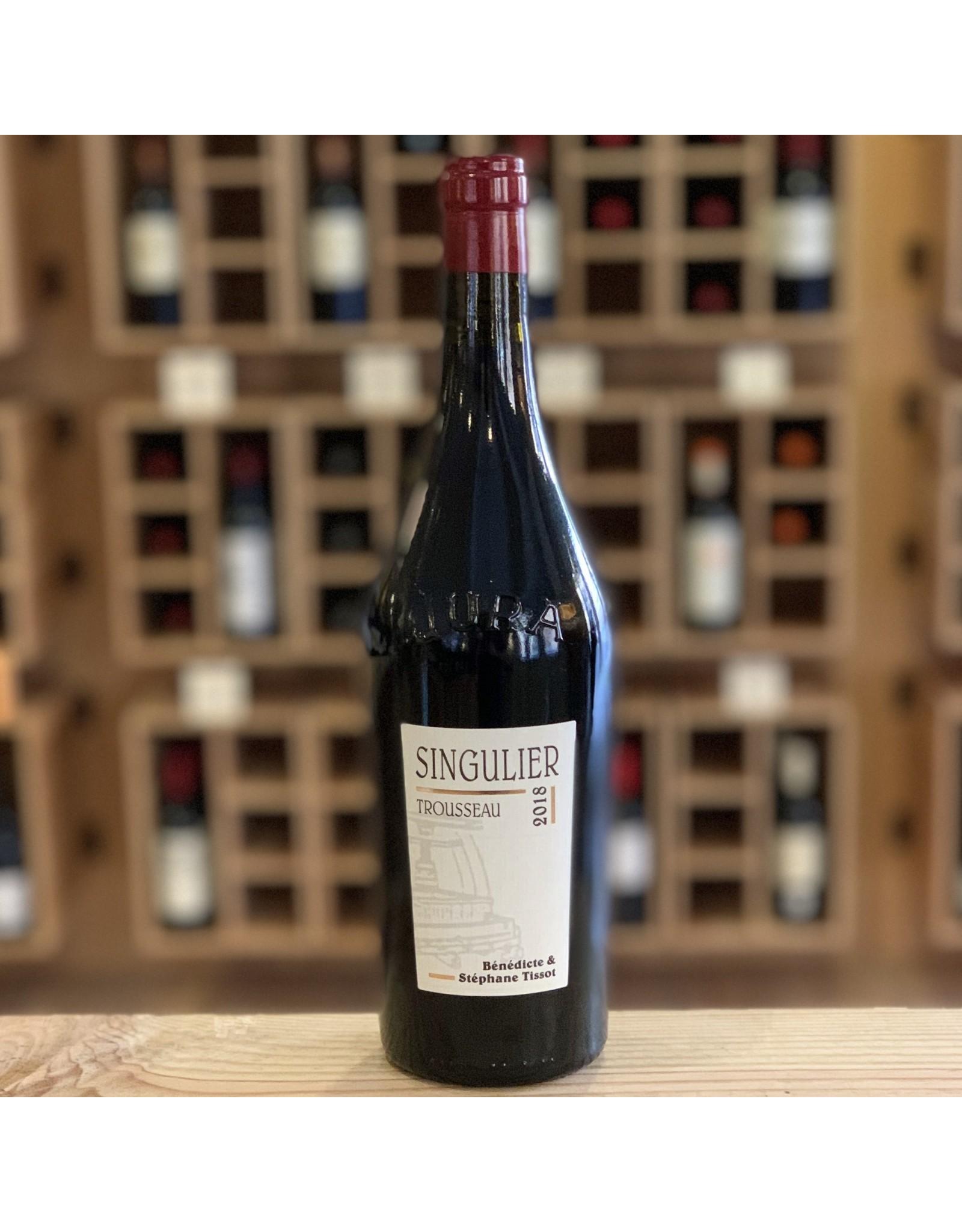 Vegan Tissot ''Singulier'' Arbois Trousseau 2018 - Jura, France