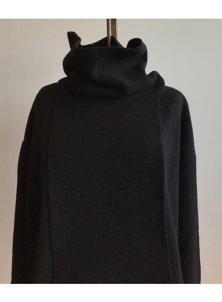 Sarah Pacini Neck Detail Sweater