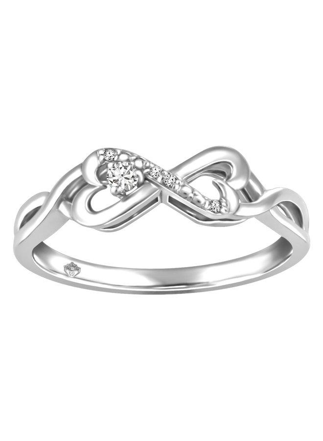 Bague 10k blanc infini coeur diamant 0.05ct TW canadien