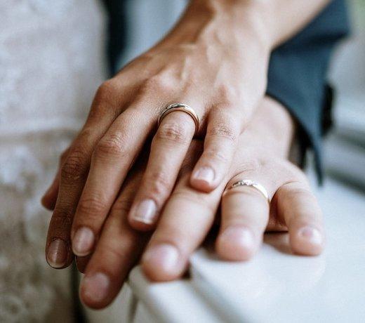 Bagues de fiançailles, alliances de mariage et ensembles uniques!