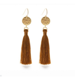 Hammered Gold Disk Tassel Earrings, tierra