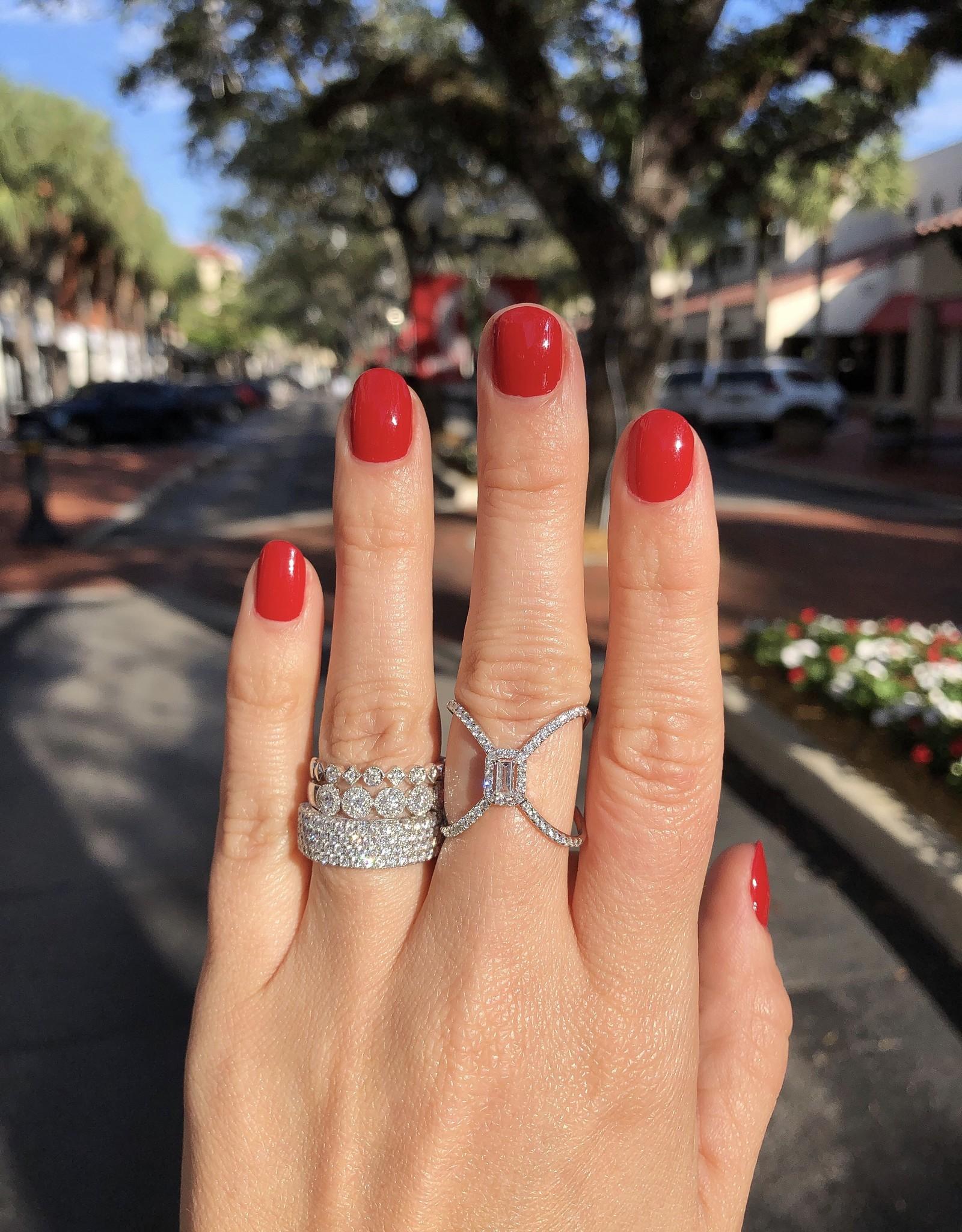 14K White Gold Baguette Diamond X  Ring, D: 0.50ct