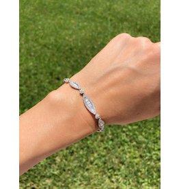 18K W/G Baguette Diamond  Bracelet