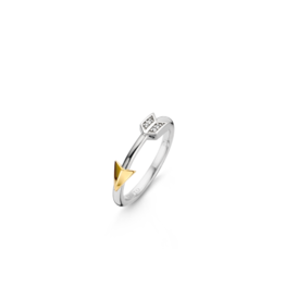 Two tone Arrow Ring with Zirconias