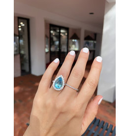 18K W/G Pear Shaped Aquamarine and Diamond Ring