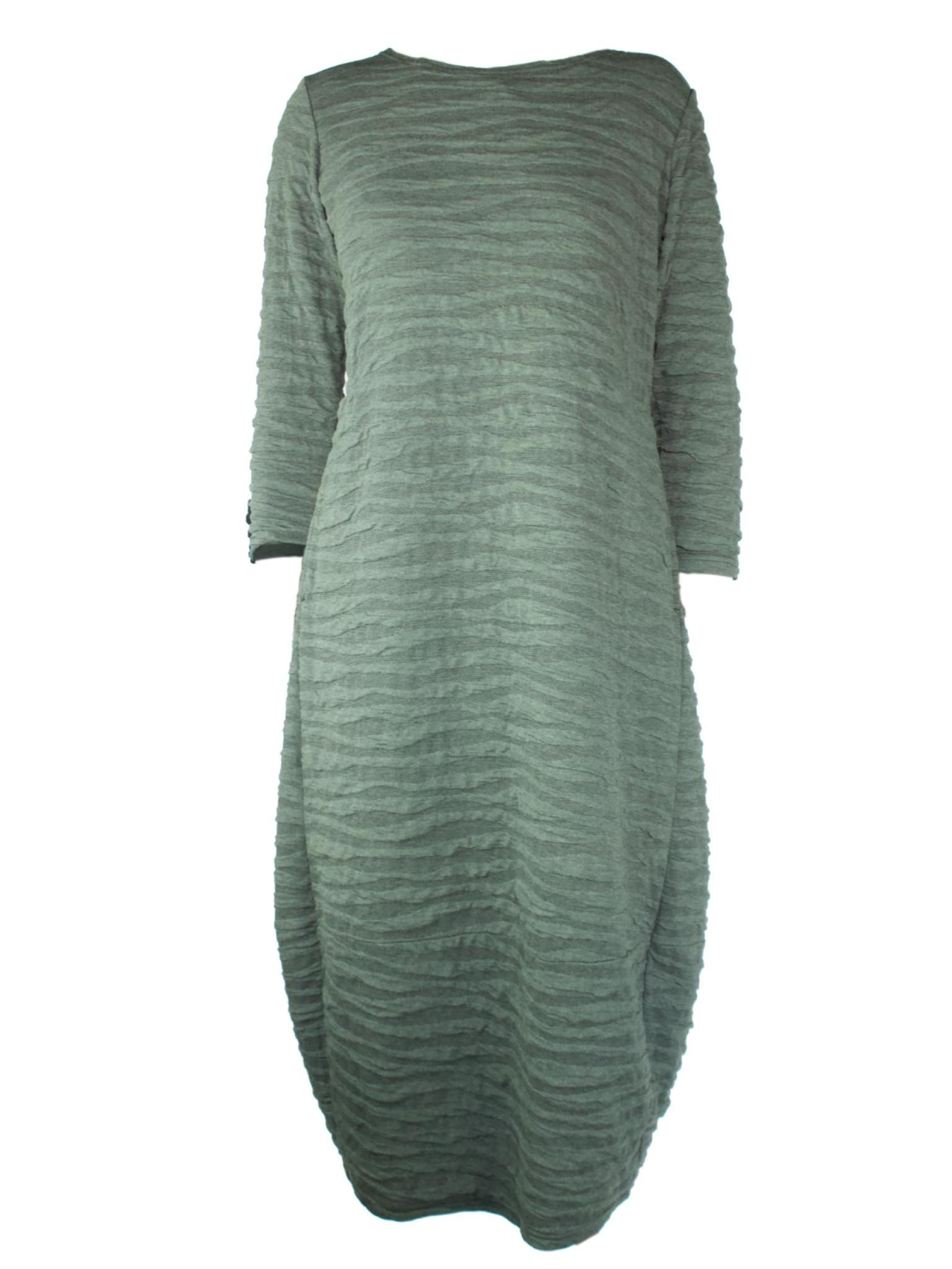 Cut Loose 3/4 Sleeve Textured Dress