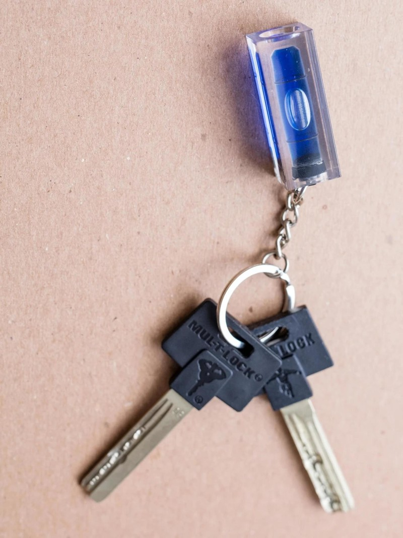Kikkerland Level Keychain