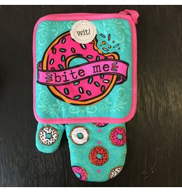 Lyla's: Clothing, Decor & More Bite Me Oven Mitt Set