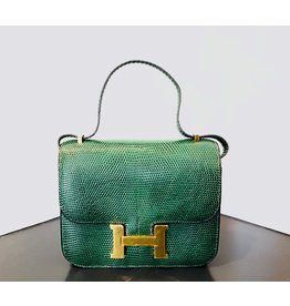 What Goes Around Comes Around HERMES GRN LIZARD CONSTANCE18 (Color: Green)