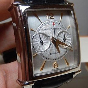 Girard-Perregaux Limited Edition White Gold Legendary 1945 Model Chronograph