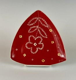 Anshula Tayal Amaati Triangle plate Bandhani design
