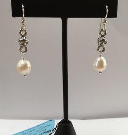 Susan Hunter Bodie/Pearl + silver earrings