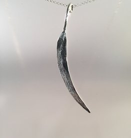 Susan Hunter Bodie/Sterling Gum Eucalyptus Leaf Pendant Necklace