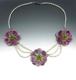 Anne Johnson AJE - Flowers in Bloom, Flower & Pearl necklace