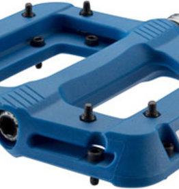 "RaceFace Chester Pedals - Platform, Composite, 9/16"",Blue, Replaceable Pins, Ribs"