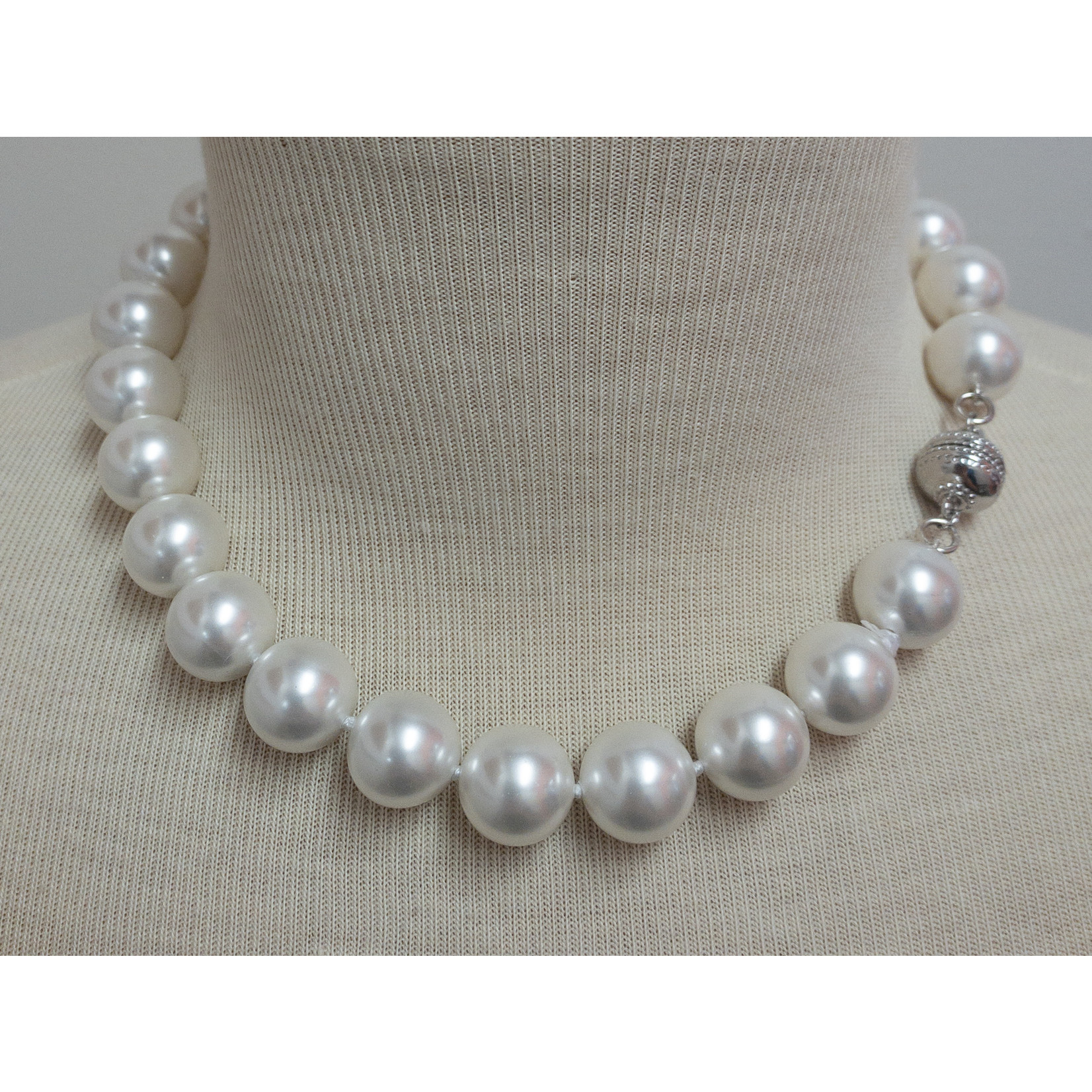 """Casuals Fairhope 16"""" Pearl Necklace with Silver Magnetic Clasp"""