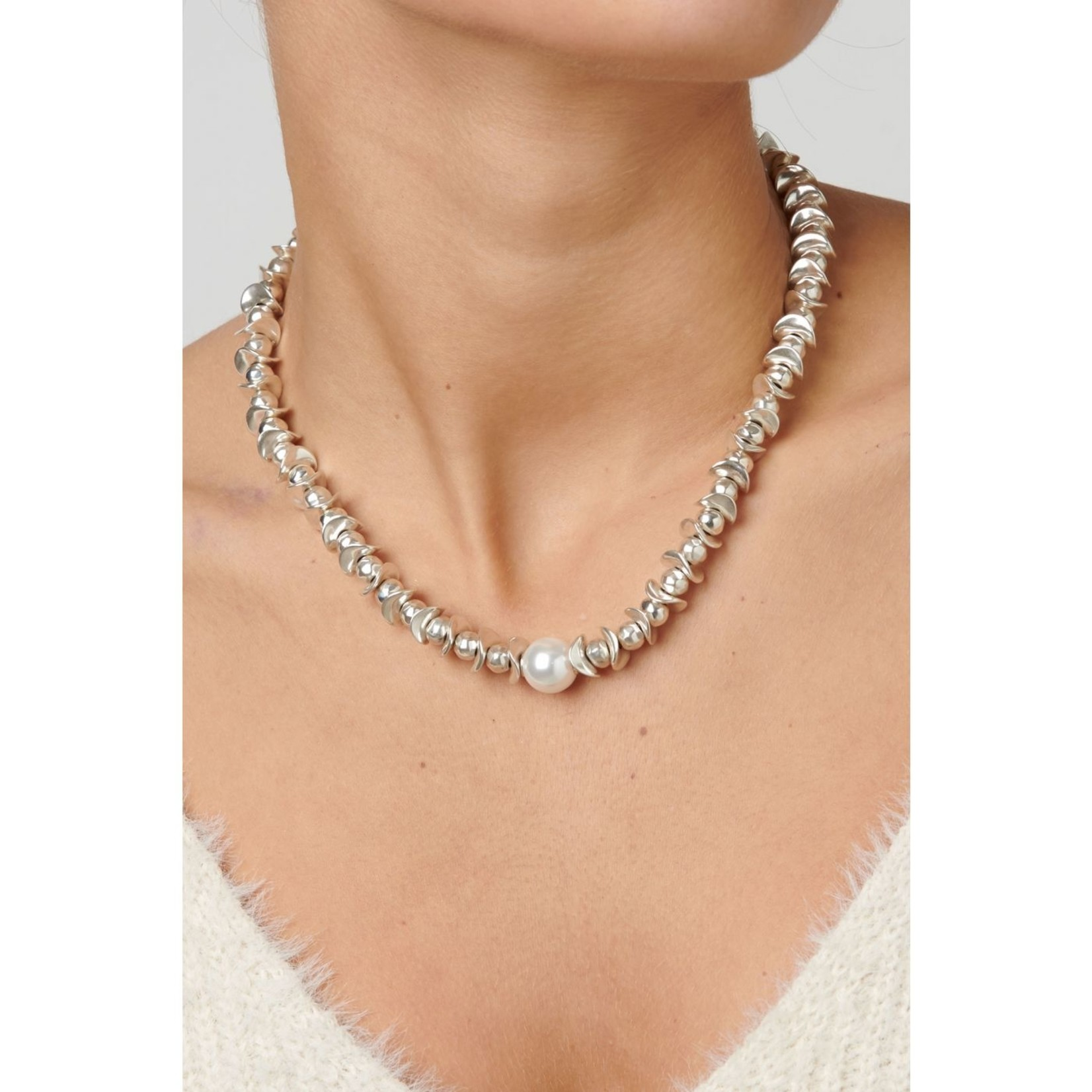 Uno de 50 The Desert Pearl Necklace