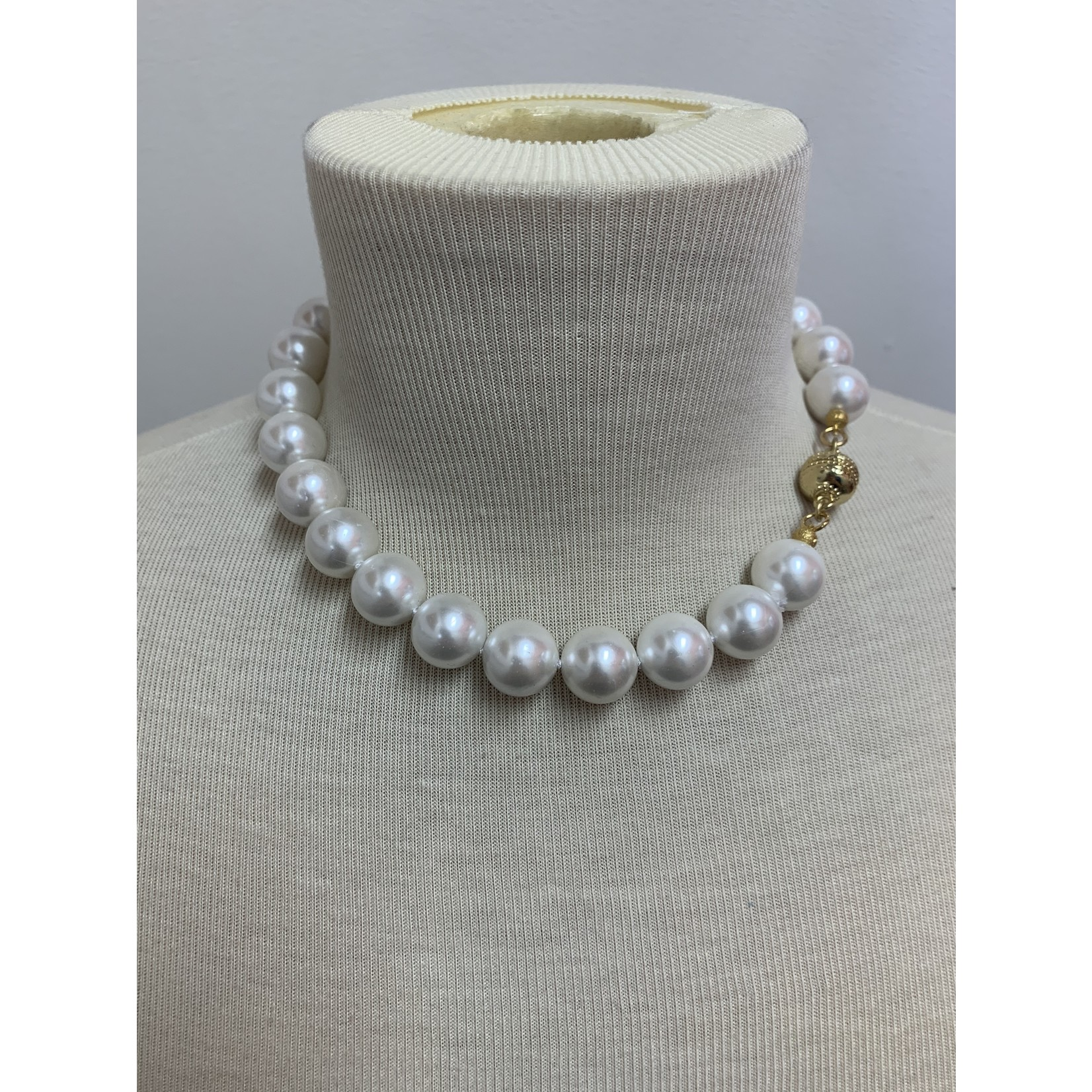 """Casuals Fairhope 16"""" Pearl Necklace with Gold Magnetic Clasp"""