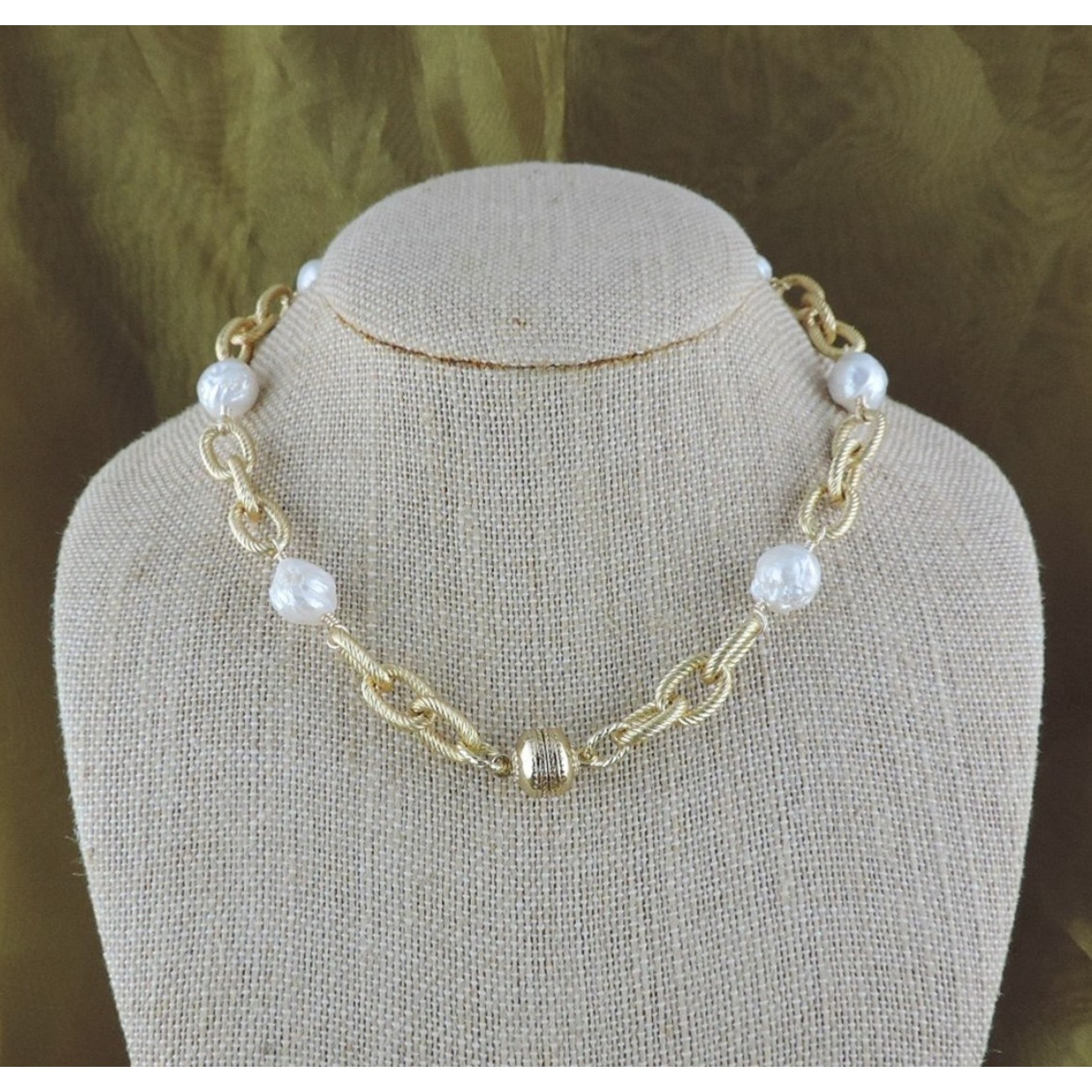 """Casuals Fairhope 16"""" Gold Link and Baroque Pearl Necklace with Magnetic Clasp"""