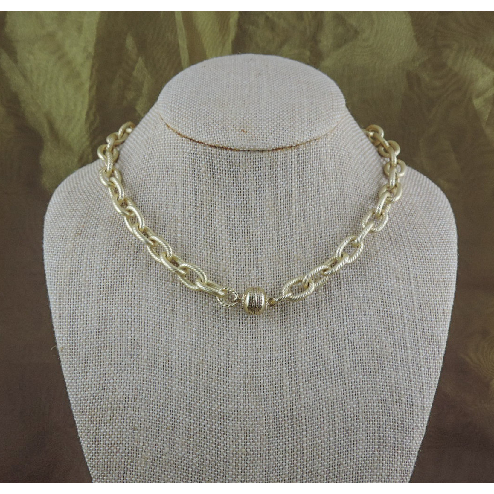"Casuals Fairhope 16"" Gold Link Chain Necklace with Magnetic Clasp"
