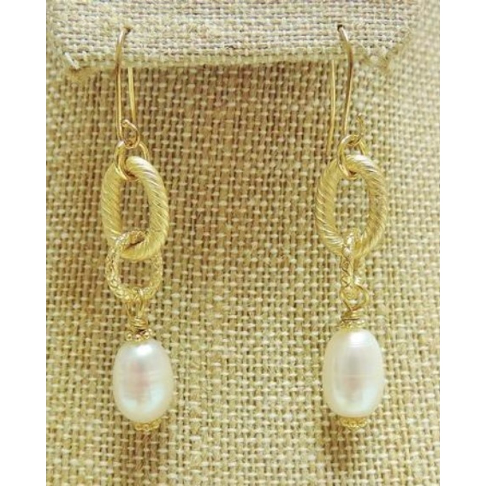 Casuals Fairhope Gold Ring and Pearl Earring