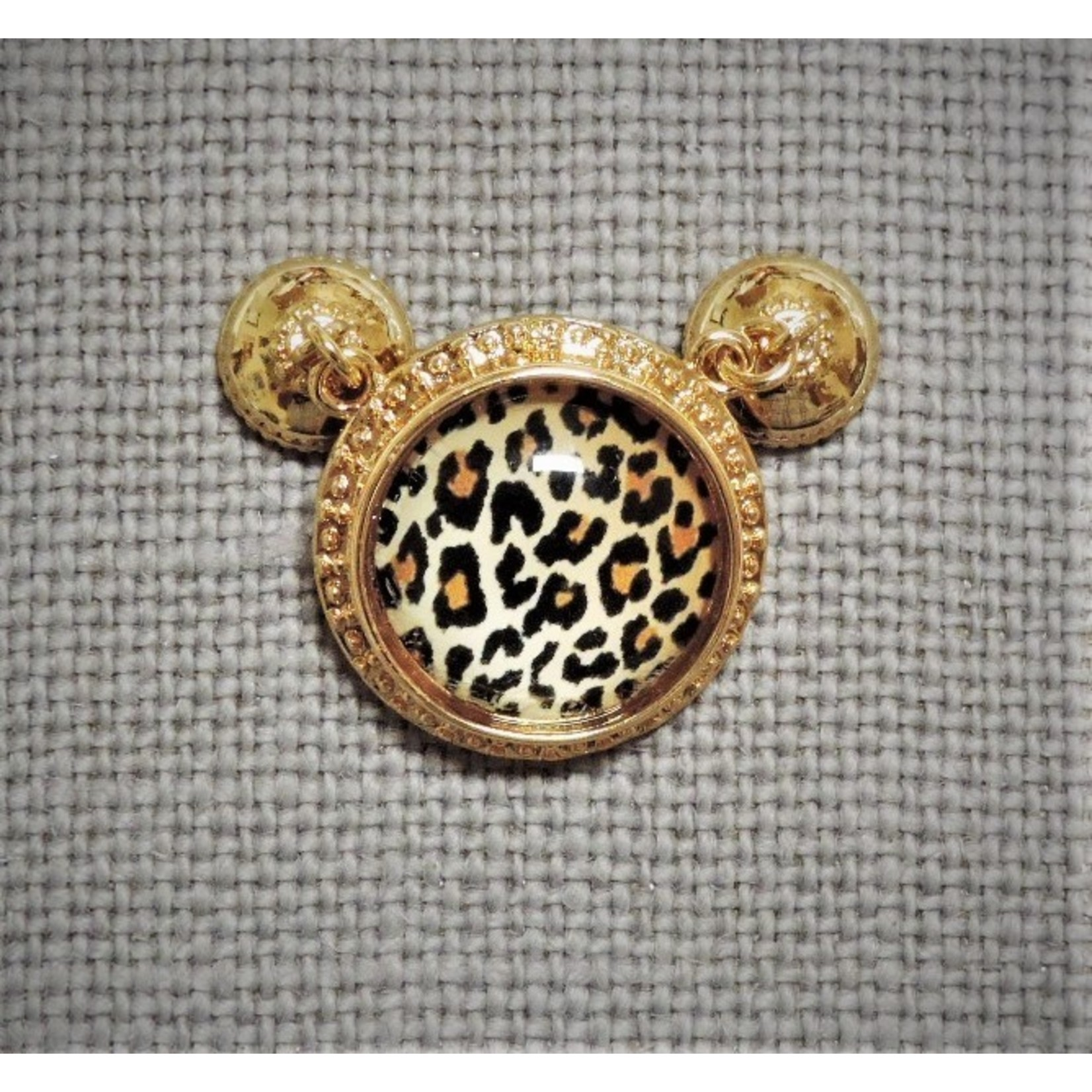 Casuals Fairhope Leopard Magnet Enhancer