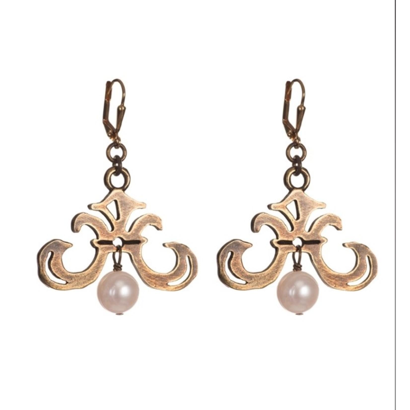 French Kande Grand Fleur Pearl Earrings
