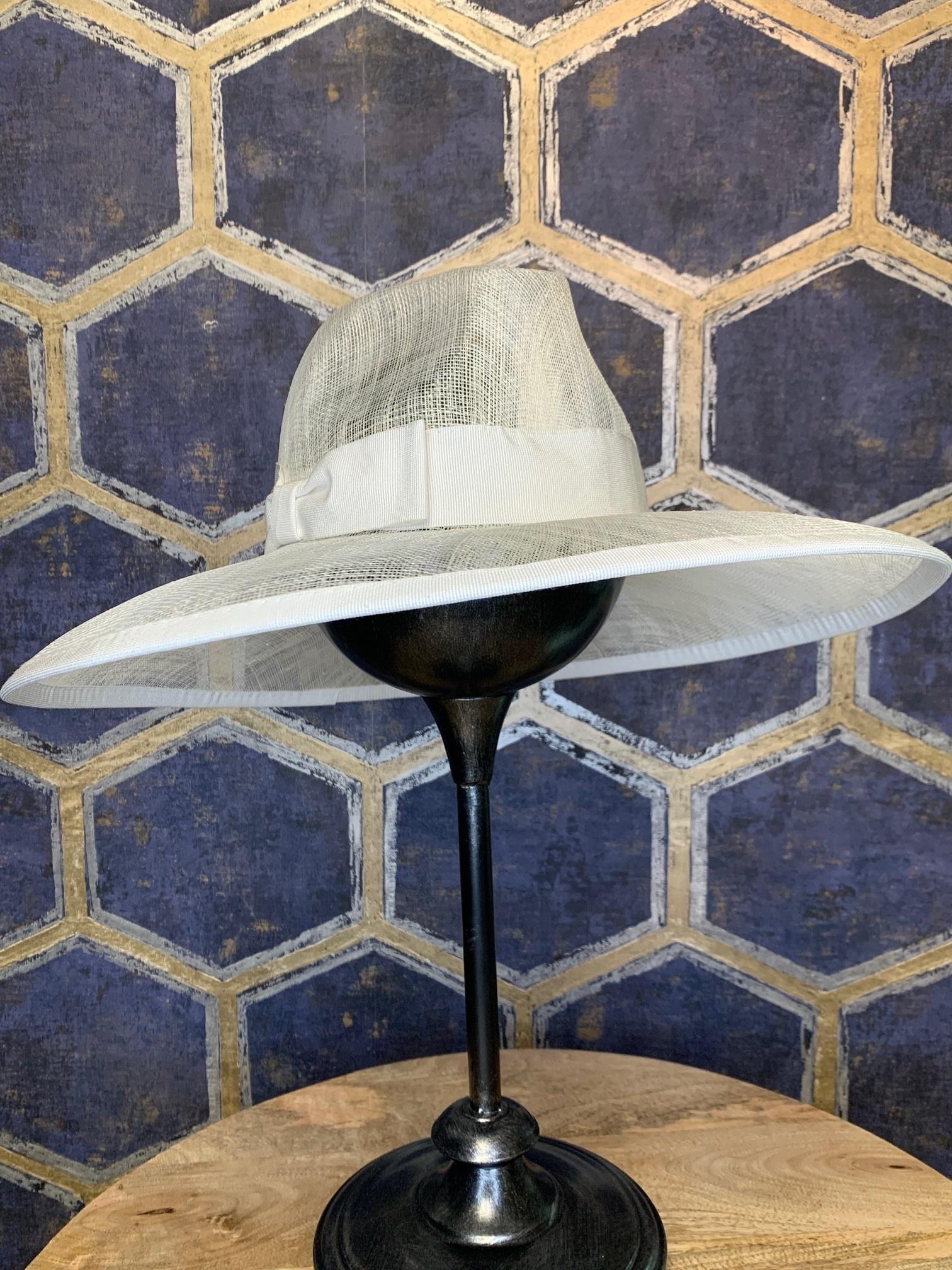 Ladies Large White Western Style Hat