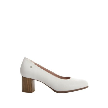White Pump with Wood Stacked Heel