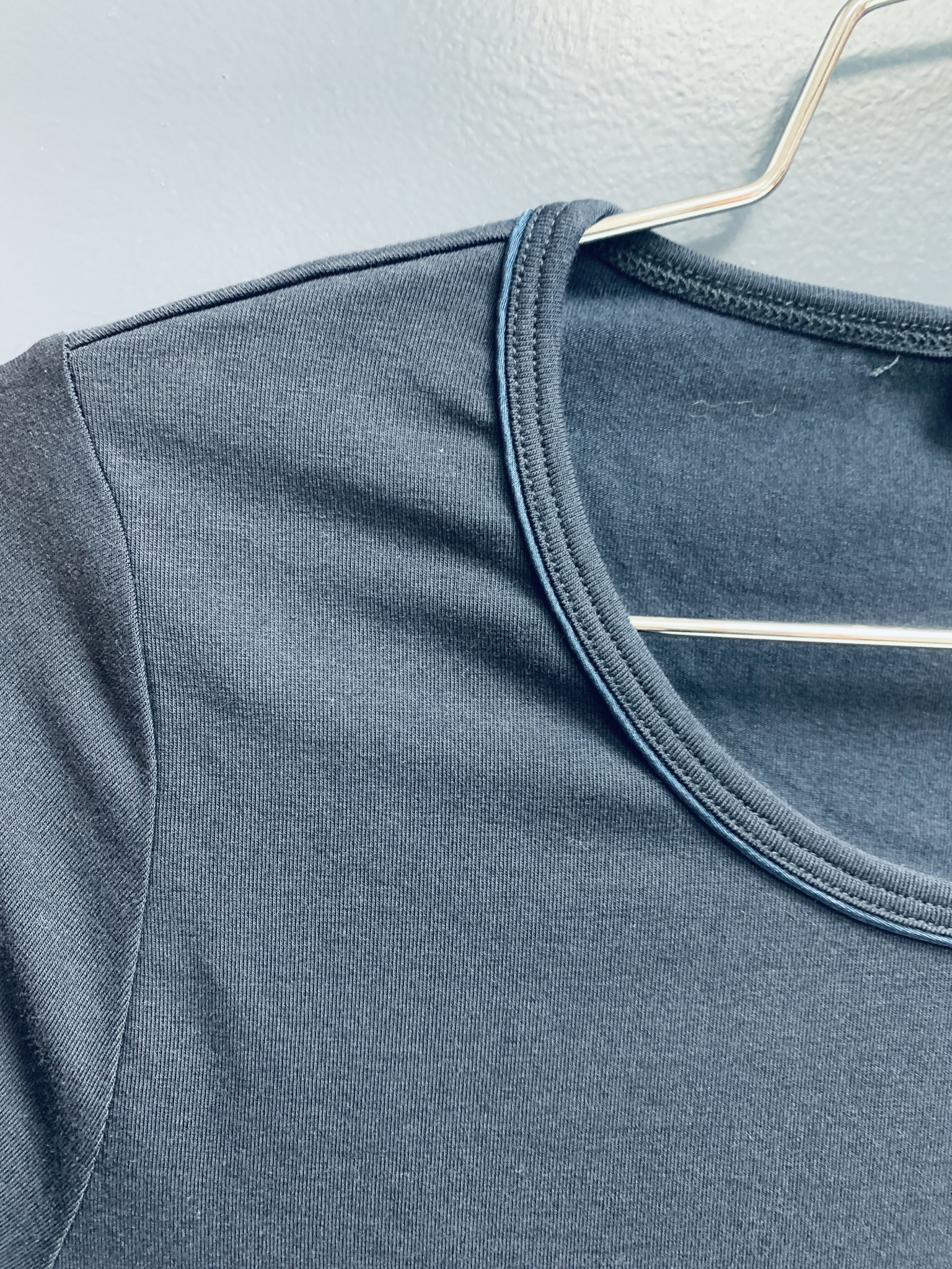Crew Neck Shirt with Satin Piping - Navy