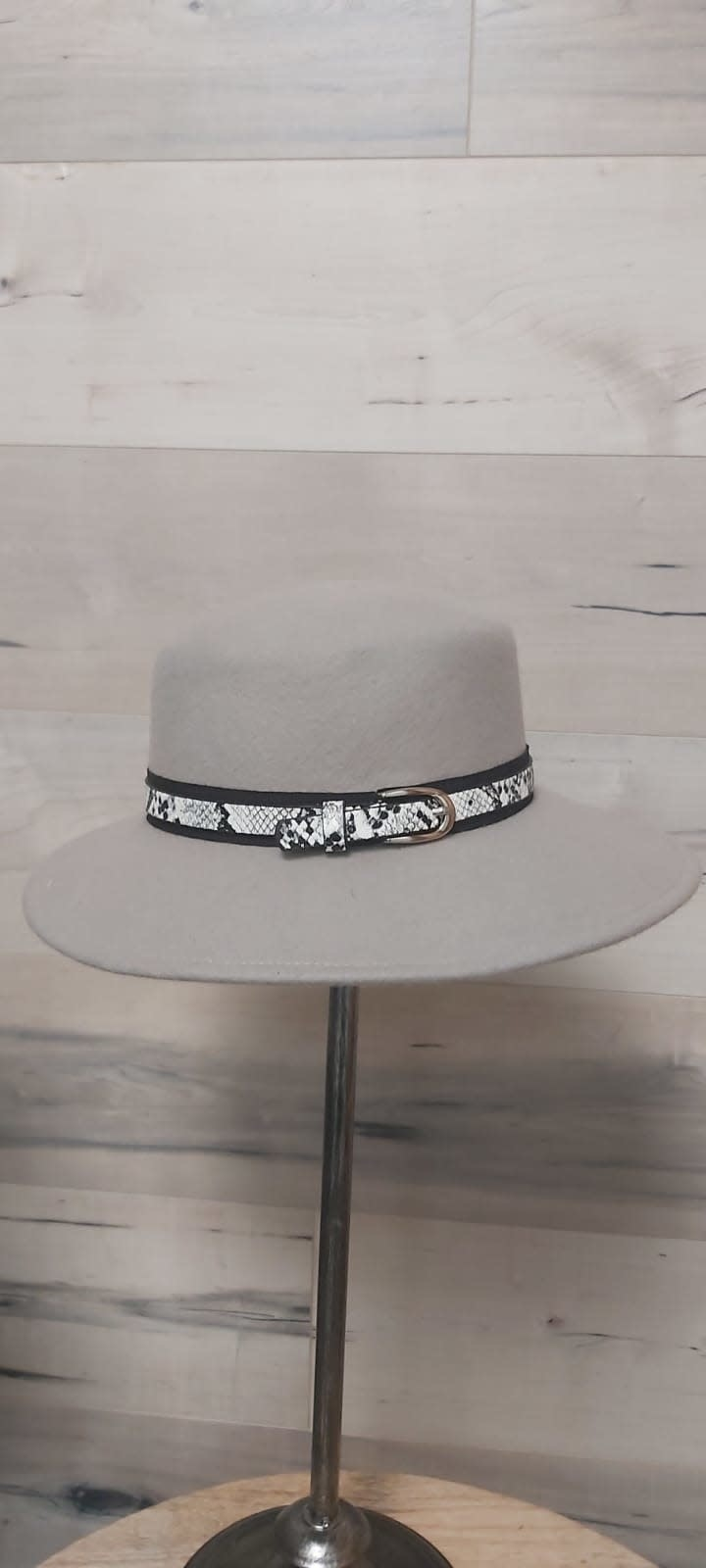 Light Grey Hat with Snake Print Belt and Clasp