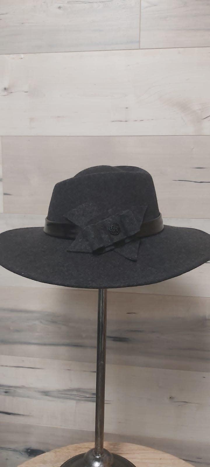 Dark Grey Melange Hat with Felt Embellishment