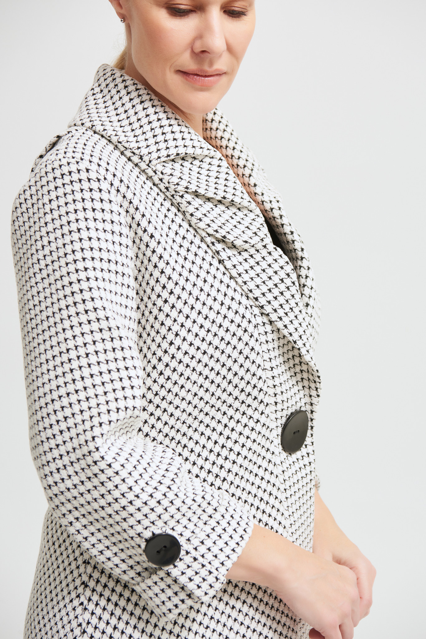 Houndstooth Coat with Puff Collar