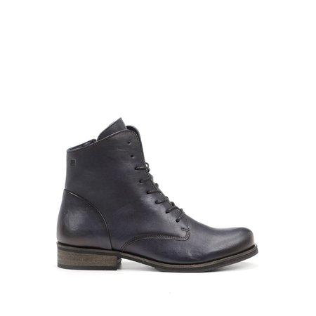 Vera Navy Boots