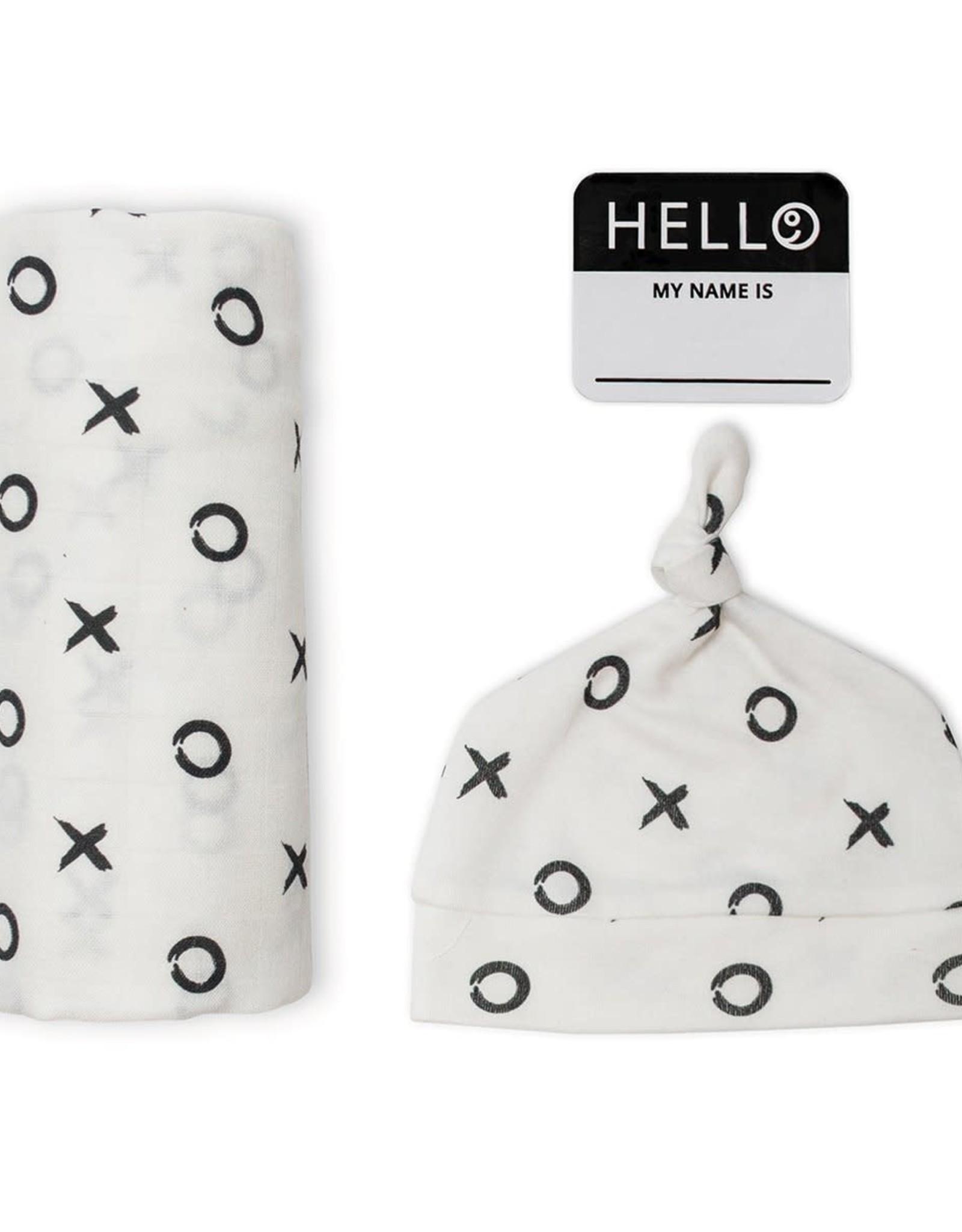 Lulujo Lulujo Hello World Swaddle Blanket & Knotted Hat Set - XO