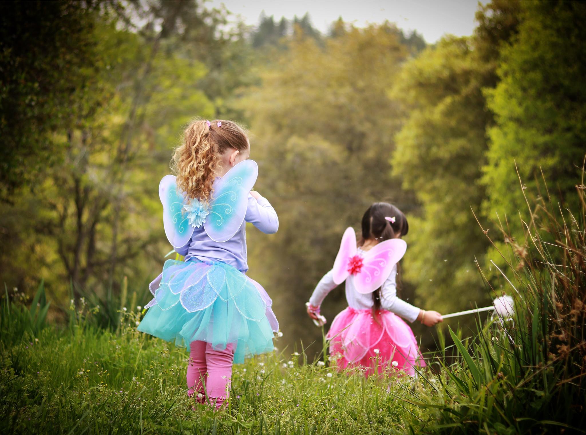 The 5 Developmental Benefits of Dress-Up Pretend Play