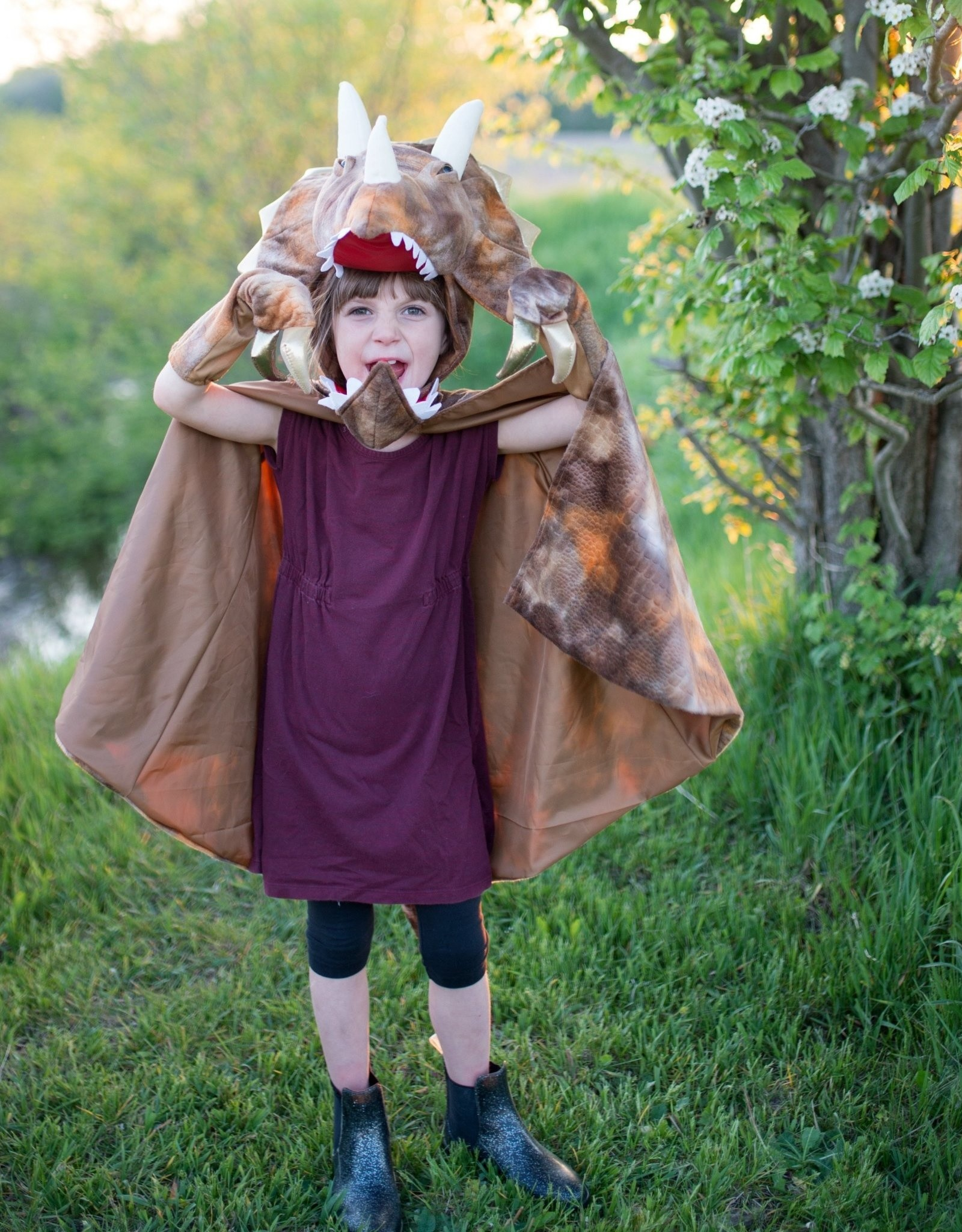 Great Pretenders Grandasaurus Triceratops Cape with Claws